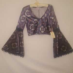 Babd of Gypsies size S velvet bell sleeve crop